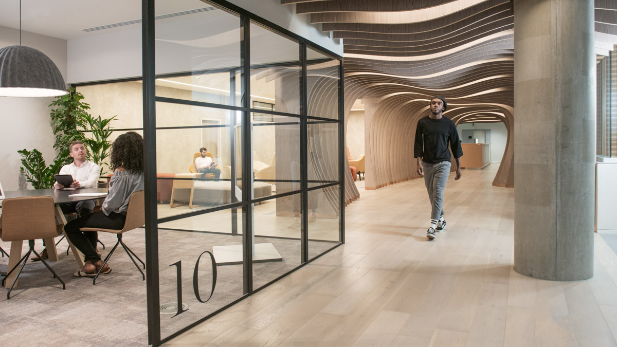 Yoox net a porter group inaugura a west london il proprio for Yoox design