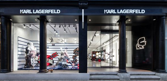 KARL HAS ARRIVED IN NEW YORK CITY! • World of Karl