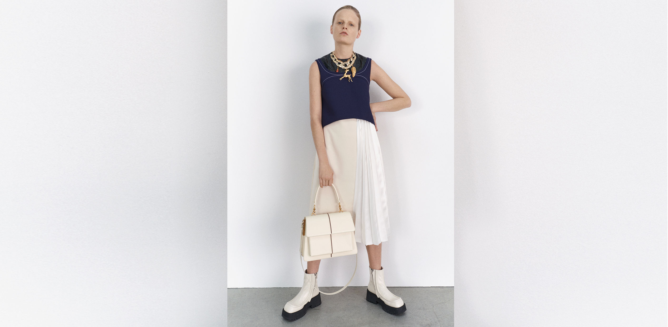 b1385abb WOMEN'S READY-TO-WEAR Discover the dresses from the Prefall 2019  collection. SHOP