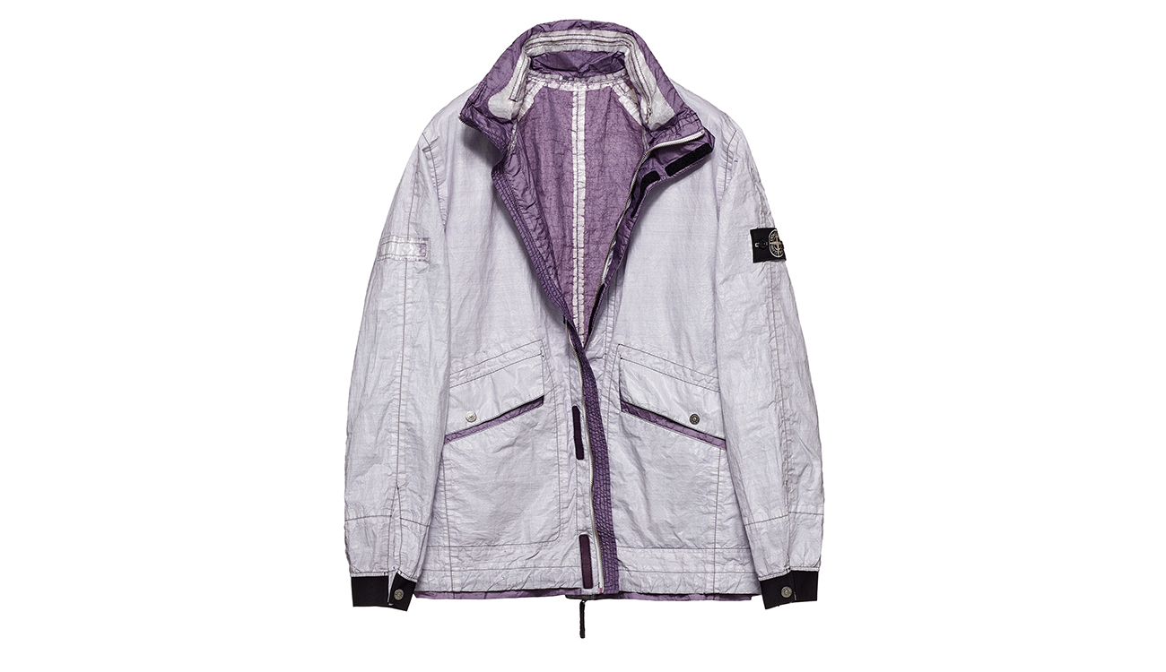 Reversible, lightweight jacket in Dyneema flexible composite fabric with one side in white and one in mauve.