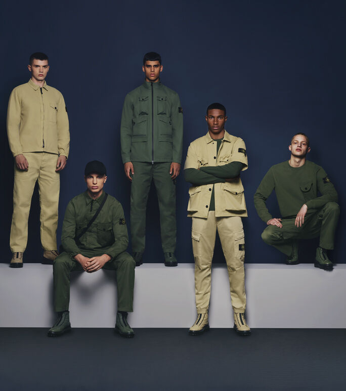Wear what dark to khakis with 16 Navy